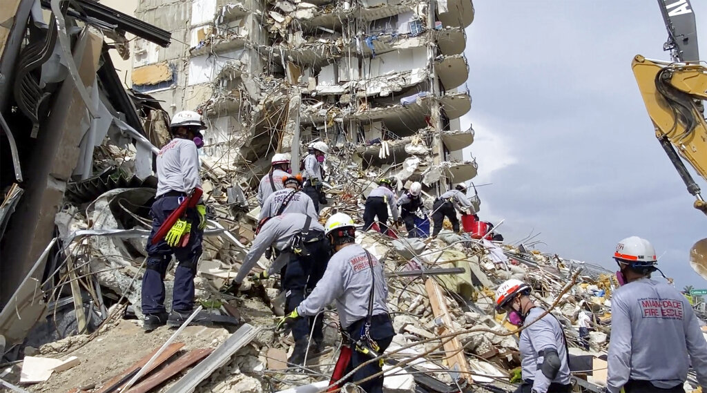 USAR members at collapse scene